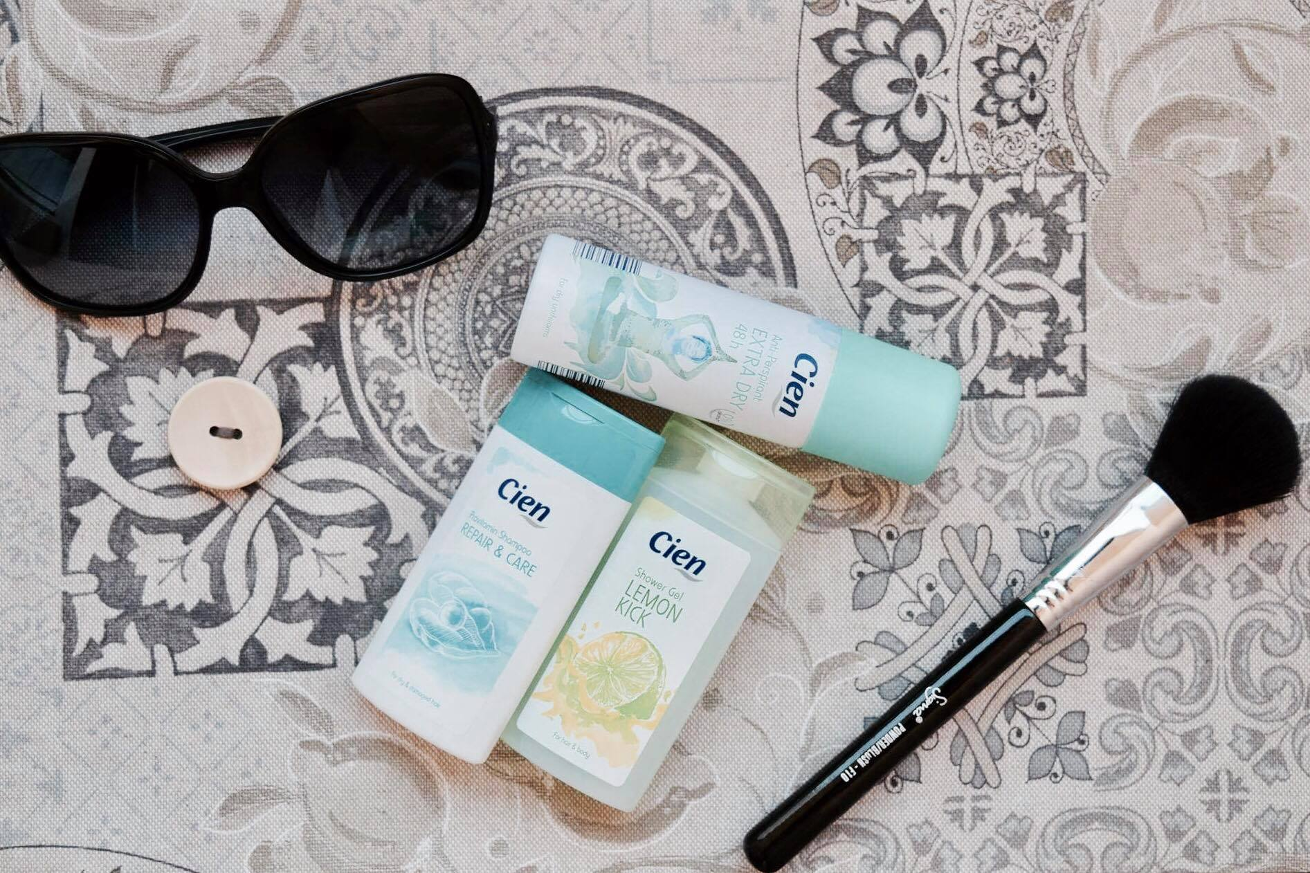 how-to-pack-travel-toiletries-cien-lidl-travel-size-organizing-blog-organizirai.com