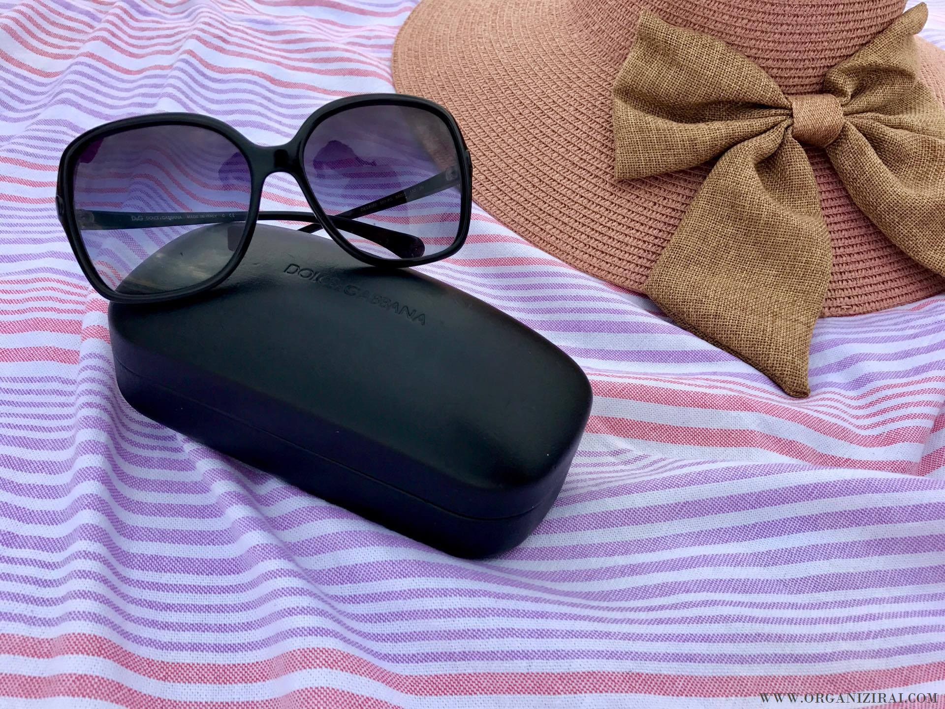 sunglasses-dolce-gabbana-d&g-whats-in-my-beach-bag-organizing-blog-bulgarian-blogger-summer-bag-organizirai.com