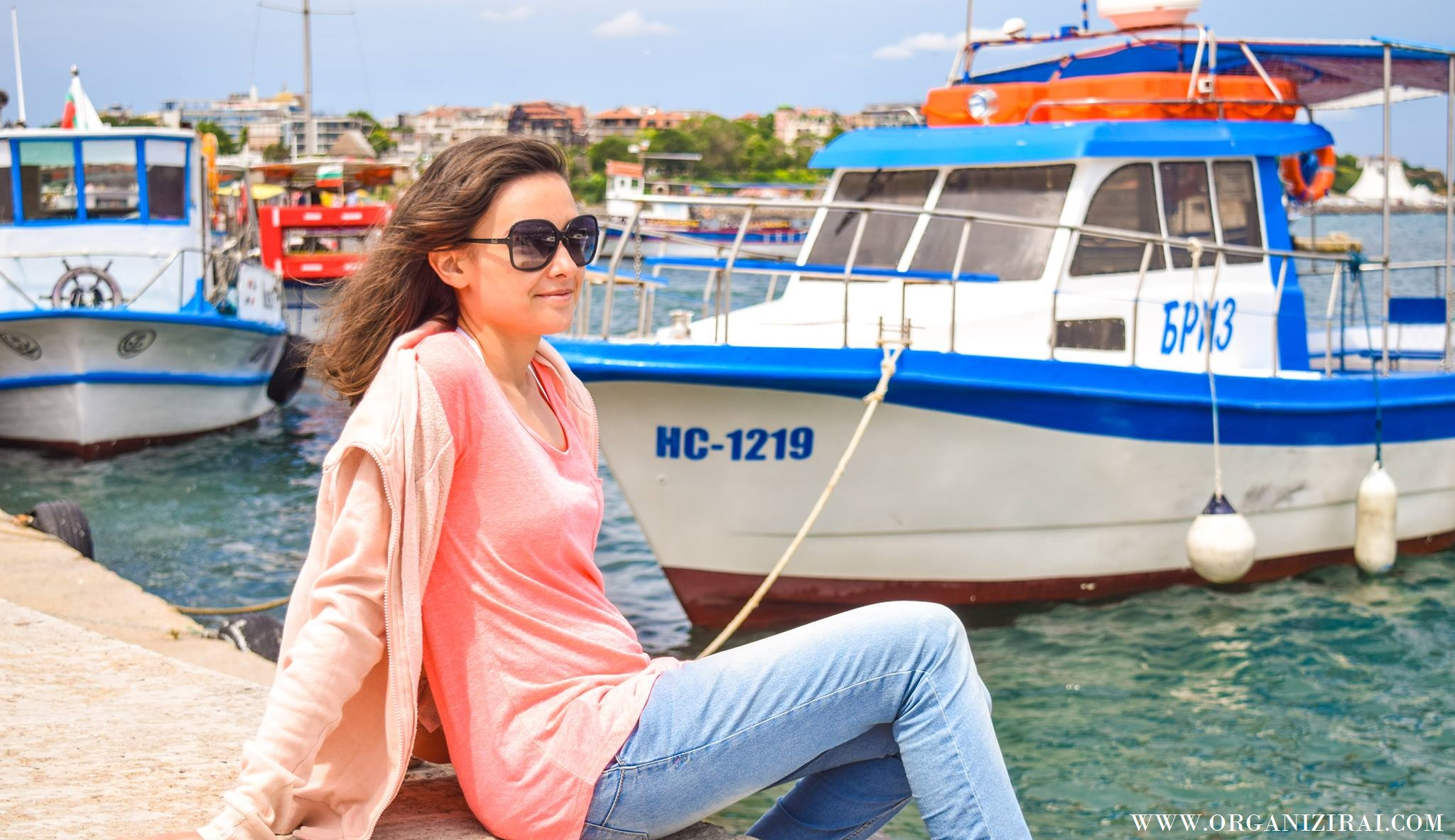 BOAT_SEA-VIBES-VIBRATION-SUMMER-PINK-HOODIE-INSPIRATION-BEST-LIFESTYLE-BLOGS-BULGARIAN-BLOGGERS-ORGANIZIRAI.COM15