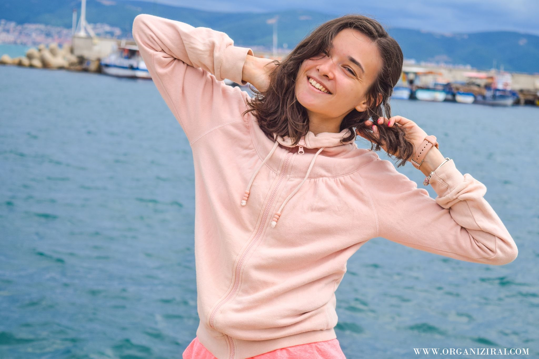 BOAT_SEA-VIBES-VIBRATION-SUMMER-PINK-HOODIE-INSPIRATION-BEST-LIFESTYLE-BLOGS-BULGARIAN-BLOGGERS-ORGANIZIRAI.COM17