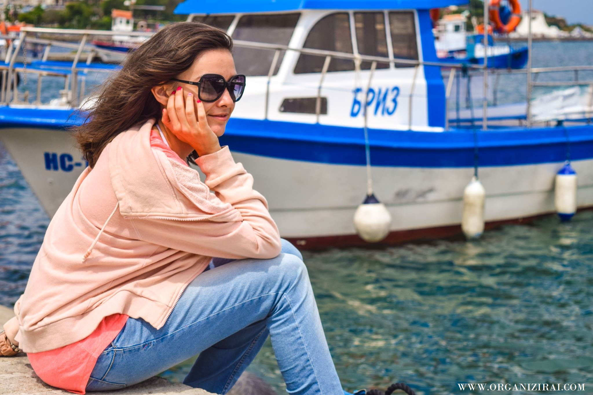 BOAT_SEA-VIBES-VIBRATION-SUMMER-PINK-HOODIE-INSPIRATION-BEST-LIFESTYLE-BLOGS-BULGARIAN-BLOGGERS-ORGANIZIRAI.COM7